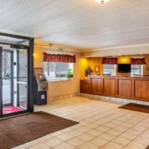Econo Lodge Darien Lakes Corfu